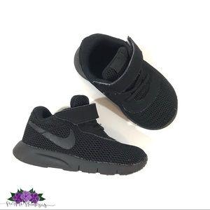 Nike Tanjun all black infant/toddler sneakers